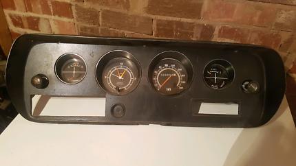Chrysler Valiant CL CM Lebaron GLX dash with clock