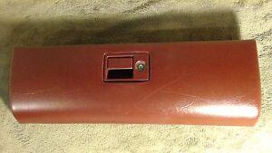 1998 cadillac deville maroon glove box lid & lock spare ... 97 cadillac deville fuse box diagram