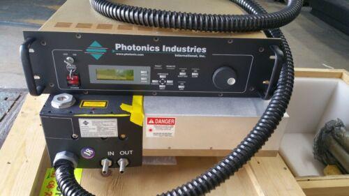 New Photonics Industries Ti:Sapphire  Laser Series TU-L with TU-L D/R Controller