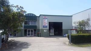 FOR LEASE: 320m2* STRATA OFFICE / SHOWROOM / WAREHOUSE Wynnum Brisbane South East Preview