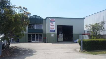 FOR LEASE: 320m2* STRATA OFFICE / SHOWROOM / WAREHOUSE