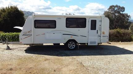 Jayco Discovery 16' 2009 pop top SHOWER & TOILET