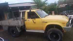 81 hilux 4x4 ute 22r 5speed Burpengary Caboolture Area Preview