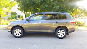 2008 Toyota Highlander SR5 4WD,P.group, Mint condition, certifie
