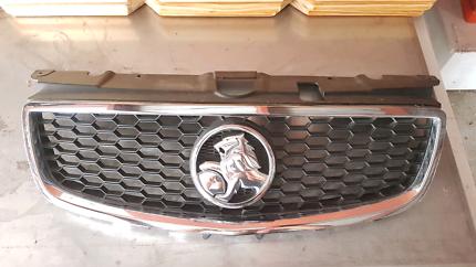 Holden Commodore VF Grill