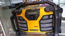 DEWALT CHARGER ONSITE RADIO/CHARGER DCR017 $199 Windsor Hawkesbury Area Preview