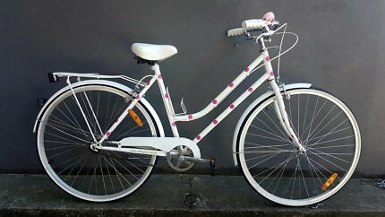 Lady woman vintage classic customised bike + accessories