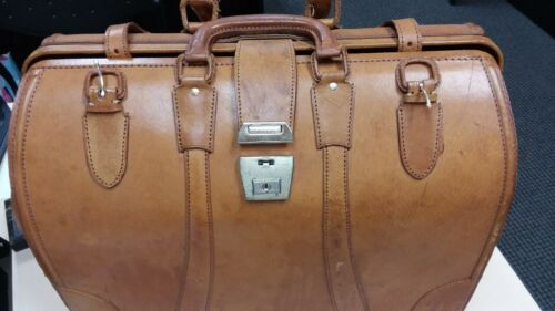 Vintage Pigskin Leather Doctors Style Bag