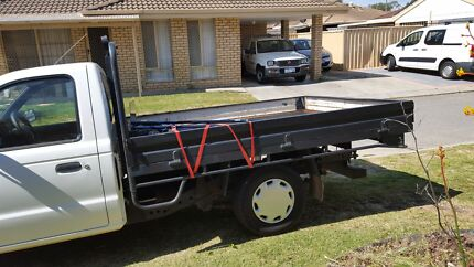 Ute with man for 30$/hour Gosnells Gosnells Area Preview