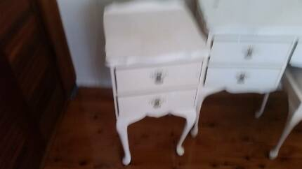 QUEEN ANNE 2 DRAWER BEDSIDE CABINET*TABLE*CABRIOLE LEG*BEDROOM