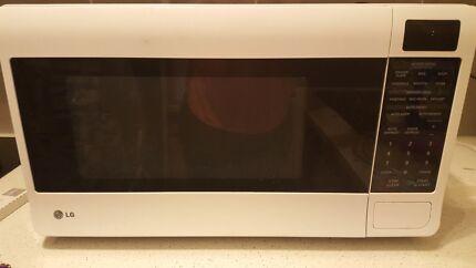 LG MICROWAVE GREAT CONDITION  Daceyville Botany Bay Area Preview