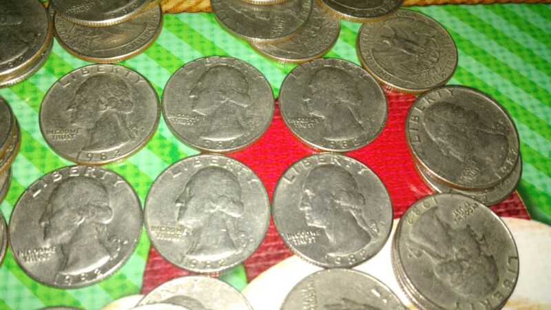 1 Roll Quarters 1982 All Circulated 20 Coins P And 20 Coins D Total 40 Coins