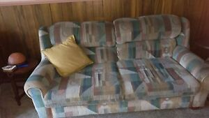 4 piece couch FREE! Parkdale Kingston Area Preview