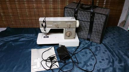 Singer 3015 sewing machine