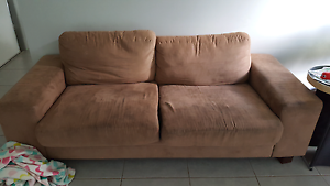 Comfy couch Beachmere Caboolture Area Preview