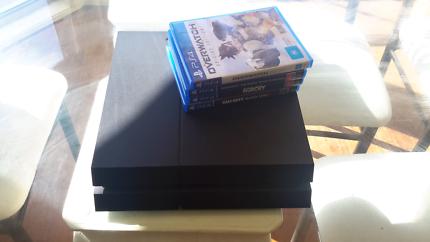 1TB PS4 + 7 Games