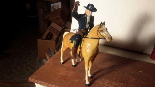"HARTLAND  ""CUSTER""  Palamino /Hat/Saddle Western Model Figures"
