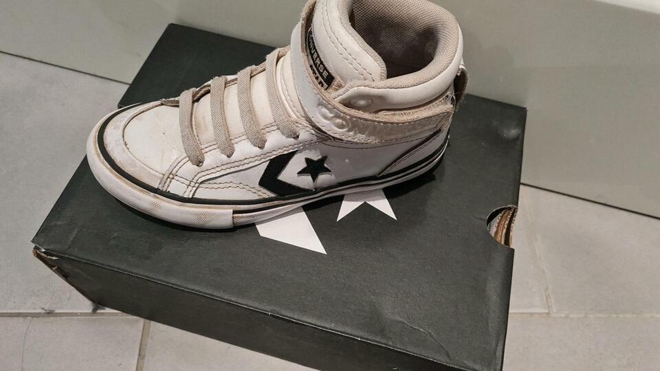 Verschiedene Schuhe in Hessen - Dreieich