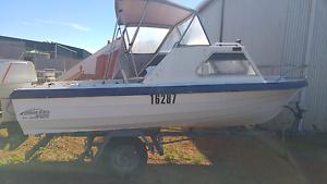 16 ft fibreglass boat Bayonet Head Albany Area Preview