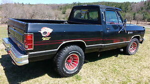 78 doge short box with brand new 383 Chevrolet storker