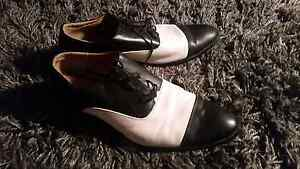 Itiallo black and white dress shoes Marybrook Busselton Area Preview