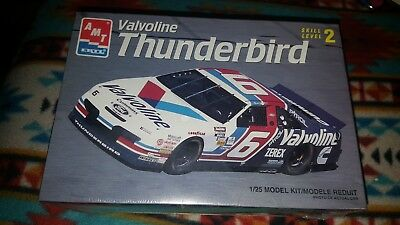 AMT # 6 Valvoline Thunderbird  Mark Martin 1 :25 Scale official licensed -