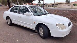 2001 Hyundai Sonata Low km ( ready to go)