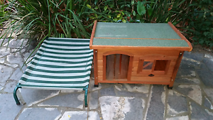 TIMBER KENNEL & DAY BED Sandringham Bayside Area Preview