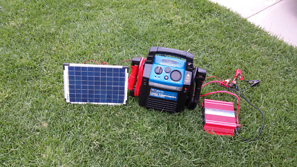 projecta 2000AMPS jumpstarter with12/24 volts with solar charging