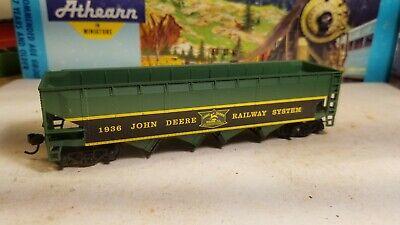 HO Athearn John Deere Tractors hopper coal car for train set 1936