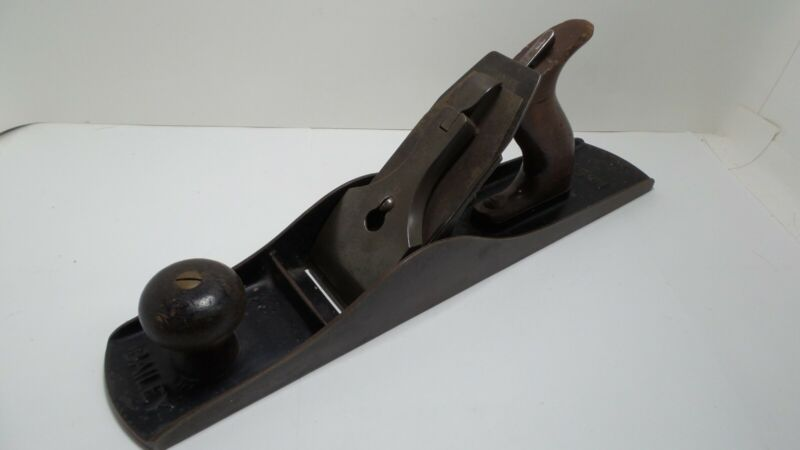 Antique Stanley Bailey No 5 1/2 Smooth bottom wood plane