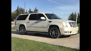 2007 Escalade ESV - CERTIFIED - IMMACULATE - PEARL WHITE