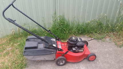 Lawnmower for sale !!(pickup )