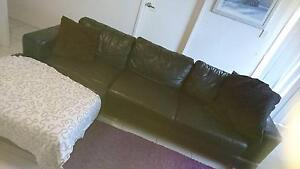 Black Leather Couch Sunnybank Brisbane South West Preview