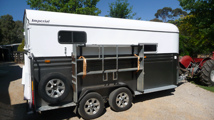 Imperial Horse Float 2 Horse Angle Deluxe Camper
