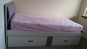 King single bed with king single trundle Ormiston Redland Area Preview