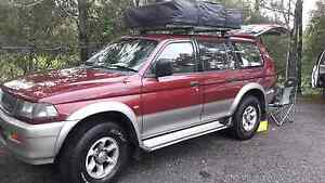 Mitsubishi Challenger with roof top tent West End Brisbane South West Preview