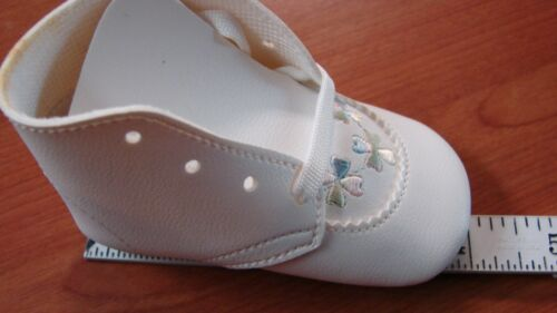 DEADSTOCK VINTAGE EMBROIDERED DETAIL INFANT BABY SHOES
