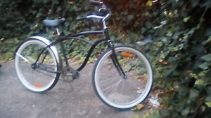Cruiser bike in excellent condition