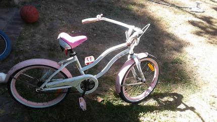 Girls huffy bike  $10