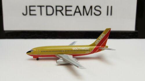 1/400 SOUTHWEST AIRLINES TITLES 737-200 MUSTARD ROCKET COLORS N21SW AEROCLASSICS