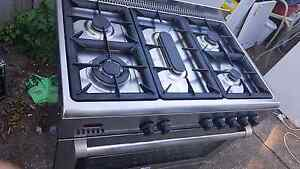 Excellent  Italian stainless steel gas stove electric oven Reservoir Darebin Area Preview