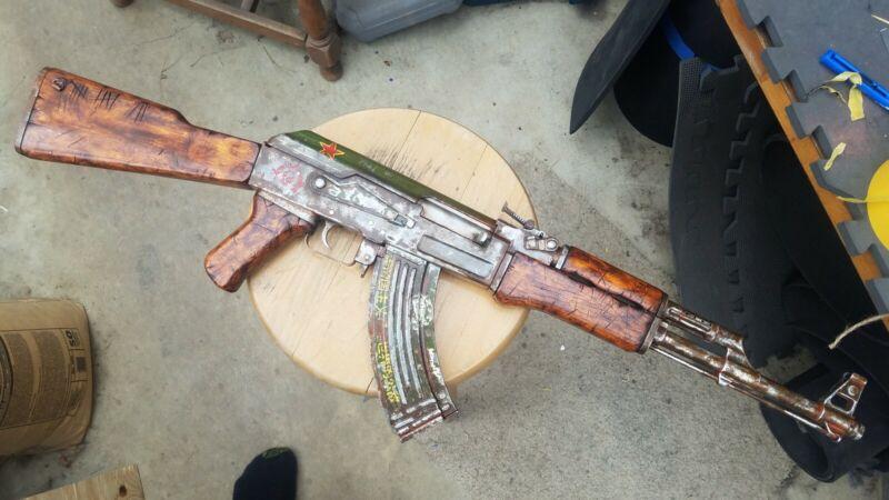 Custom Painted Fallout Raider AK47 Spring Airsoft Gun For Cosplay Or Display