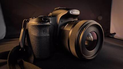 Canon 60D + Sigma 30mm f/1.4 + FREE 18-55mm Kit Lens