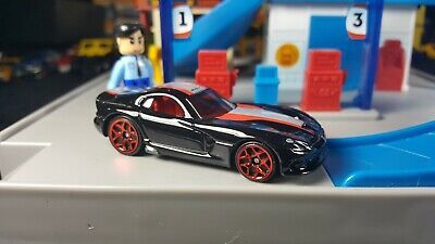 HOT WHEELS '13 DODGE SRT VIPER BLACK EXCLUSIVE DESIGN FROM GIFT PACK LOOSE
