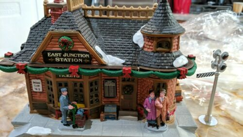 Lemax East Junction Train Station Michaels Signature Exclusive Christmas