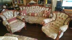 Victorian lounge in great condition