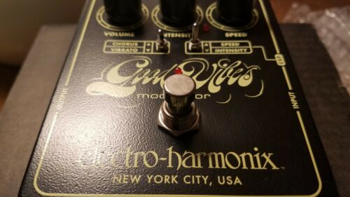 Electro-Harmonix Good Vibes Pedal (Univibe)