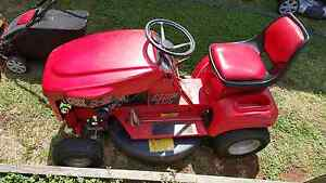 COX ride on mower Highfields Toowoomba Surrounds Preview