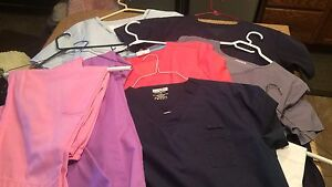 Woman's scrubs